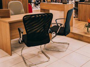 Cadeira ergonômica, com apoio para os braços