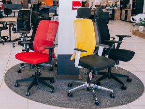 Cadeiras com rodinhas para escritório