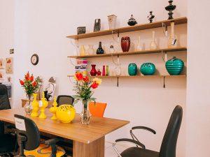 Prateleiras e artigos decorativos